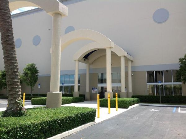 Life Storage - West Palm Beach - Mercer Avenue 1401 Mercer Avenue West Palm Beach, FL - Photo 4