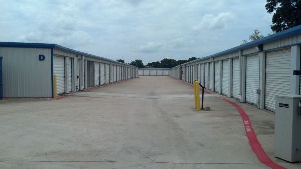 Simply Self Storage - Arlington, TX - Cooper St 1800 West Sublett Road Arlington, TX - Photo 1