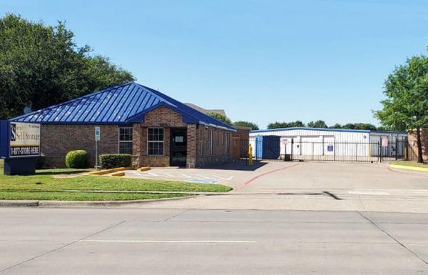 Simply Self Storage - 1800 West Sublet Road - Arlington 1800 West Sublett Road Arlington, TX - Photo 0