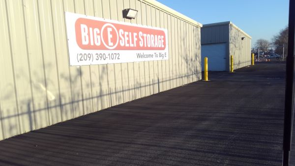 Big E Self Storage 4201 Newton Road Stockton, CA - Photo 4