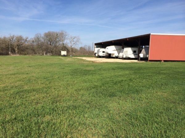 Luling Self Storage 1405 North Magnolia Avenue Luling, TX - Photo 5