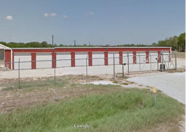 Luling Self Storage 1405 North Magnolia Avenue Luling, TX - Photo 0