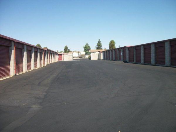 North Chester Mini Storage 700 James Road  Bakersfield, CA - Photo 4
