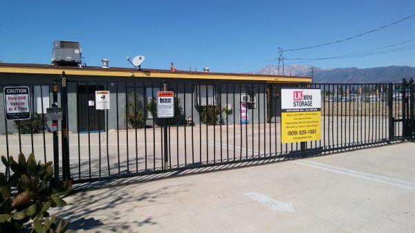 LK Mini Storage 8150 Tamarind Avenue Fontana, CA - Photo 4