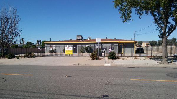 LK Mini Storage 8150 Tamarind Avenue Fontana, CA - Photo 0