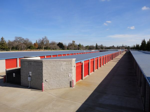 Storage Direct - Roseville 998 Washington Boulevard Roseville, CA - Photo 3