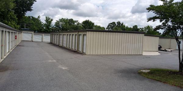 Mr. Storage - Davidson Highway/Central Drive 8 Lowe Avenue Northwest Concord, NC - Photo 4