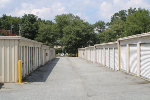 Mr. Storage - Davidson Highway/Central Drive 8 Lowe Avenue Northwest Concord, NC - Photo 6