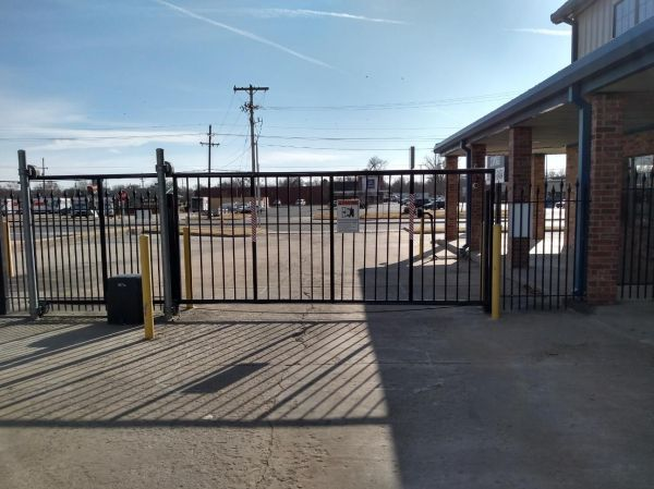 Easy Stop Storage - Tulsa North 12565 East 21st Street Tulsa, OK - Photo 6