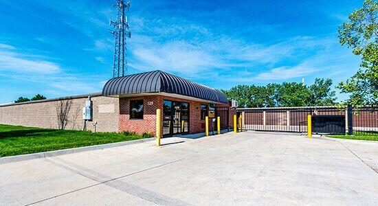 StorageMart - 13th & Railroad Ave 125 S 13th St West Des Moines, IA - Photo 0