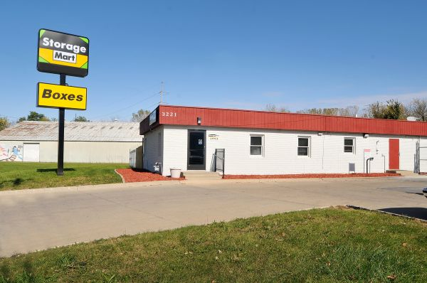 StorageMart - Martin Luther King Jr Pkwy & Urbandale Ave 3221 Martin Luther King Junior Parkway Des Moines, IA - Photo 0