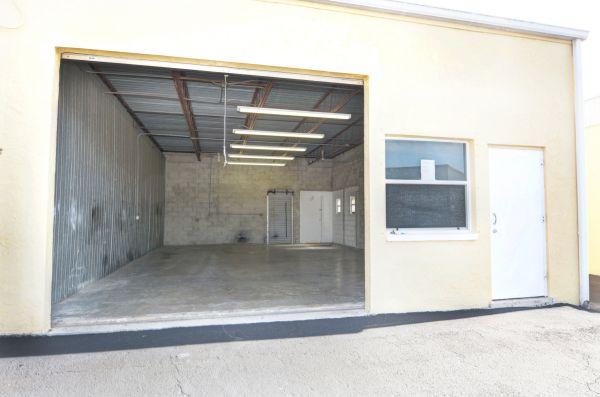 X-S Storage LLC 927 property 927 Southeast 9th Terrace Cape Coral, FL - Photo 1