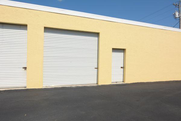 X-S Storage LLC 927 property 927 Southeast 9th Terrace Cape Coral, FL - Photo 4