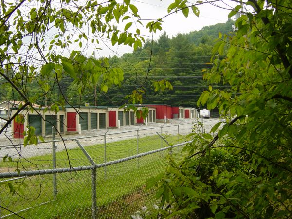 Lake Glenville Storage & Wine Lockers 5361 Highway 107 Glenville, NC - Photo 2