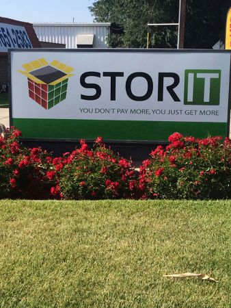 Stor It Plaza 725 North Plaza Drive Visalia, CA - Photo 2