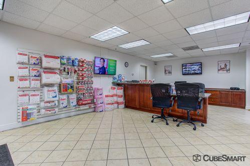 CubeSmart Self Storage - Lake Worth - 1519 N Dixie Hwy 1519 N Dixie Hwy Lake Worth, FL - Photo 2