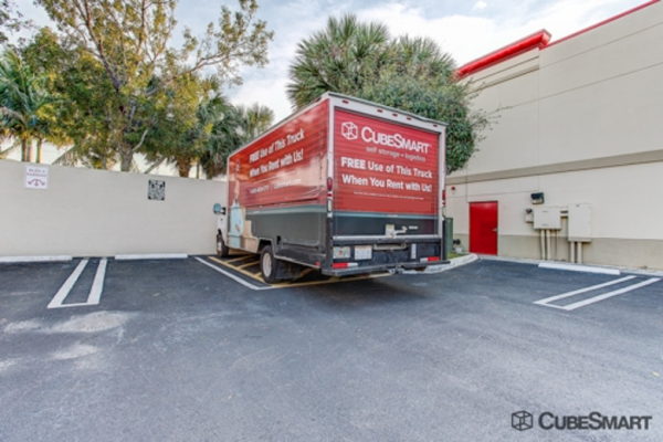 CubeSmart Self Storage - Lake Worth - 1519 N Dixie Hwy 1519 N Dixie Hwy Lake Worth, FL - Photo 9