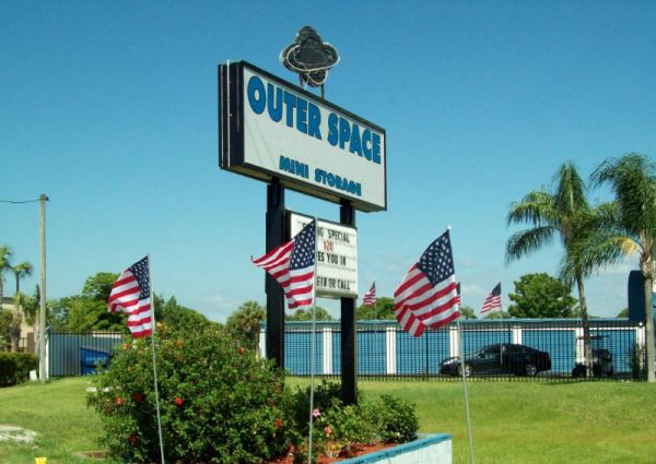 Outer Space Mini Storage - Port Richey 9906 U.S. Highway 19 N Port Richey, FL - Photo 1