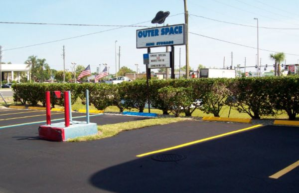 Outer Space Mini Storage - Port Richey 9906 U.S. Highway 19 N Port Richey, FL - Photo 5
