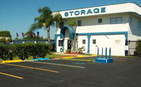Outer Space Mini Storage - Port Richey 9906 U.S. Highway 19 N Port Richey, FL - Photo 0