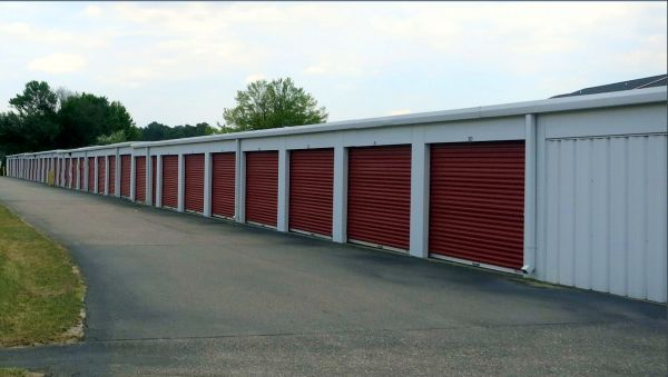 Storage King USA - Midpine 3216 Mid Pine Road Fayetteville, NC - Photo 3