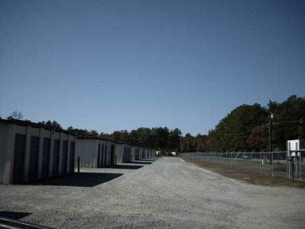 Manchester Mini-Storage 165 West Manchester Road Spring Lake, NC - Photo 1