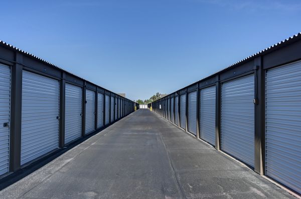 Storage West - Glendale 6316 N 27th Ave Phoenix, AZ - Photo 7