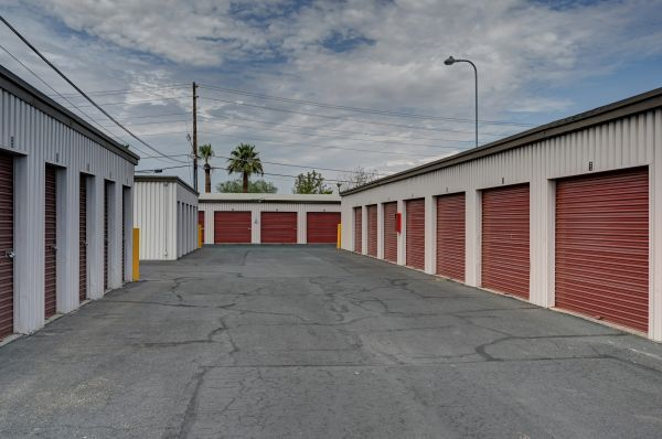 Storage West - Chandler 1262 North Arizona Avenue Chandler, AZ - Photo 3