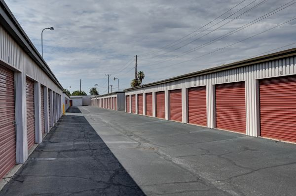 Storage West - Chandler 1262 North Arizona Avenue Chandler, AZ - Photo 7