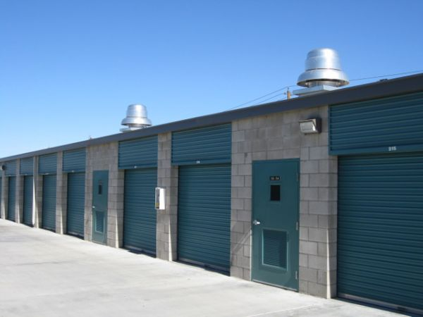 Storage West - Flamingo Road 2700 E Flamingo Rd Las Vegas, NV - Photo 2