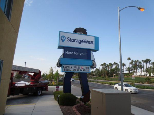 Storage West - Rhodes Ranch 7650 S Durango Dr Las Vegas, NV - Photo 15