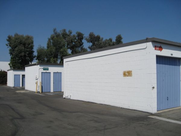 Storage West - Santa Ana 2730 S Fairview St Santa Ana, CA - Photo 3