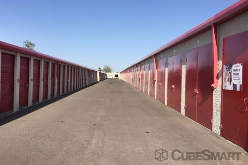 CubeSmart Self Storage - Surprise - 15821 North Dysart Road 15821 North Dysart Road Surprise, AZ - Photo 4