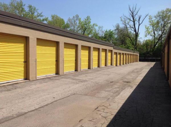 Life Storage - Brentwood 8524 Manchester Road Brentwood, MO - Photo 2