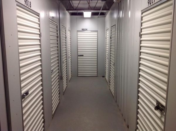 Life Storage - Brentwood 8524 Manchester Road Brentwood, MO - Photo 4