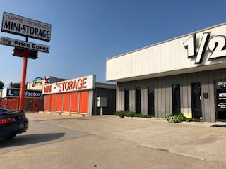 Spring Office and Storage / Climated Controlled 26207 Interstate 45 Spring, TX - Photo 0