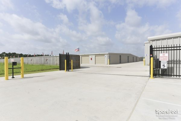 High Point Storage - Bay Colony 5600 West Farm-to-market 646 Road Dickinson, TX - Photo 9