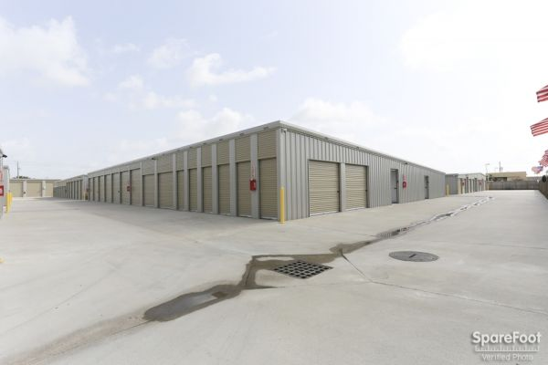 High Point Storage - Bay Colony 5600 West Farm-to-market 646 Road Dickinson, TX - Photo 11