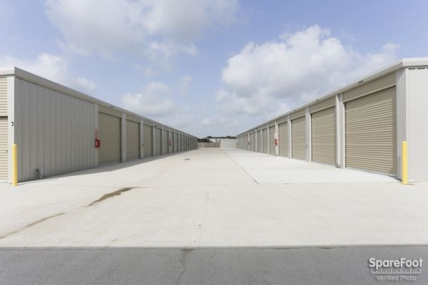 High Point Storage - Bay Colony 5600 West Farm-to-market 646 Road Dickinson, TX - Photo 12