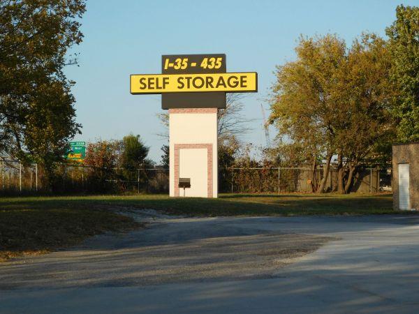 I-35/I-435 Self Storage 10750 Cottonwood St Lenexa, KS - Photo 0