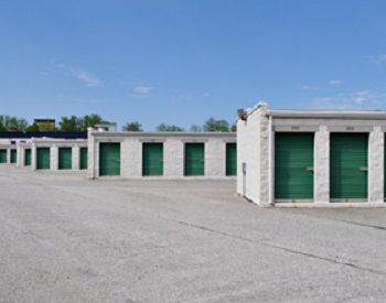 Moove In Self Storage - Baltimore 1700 Belmont Avenue Woodlawn, MD - Photo 4