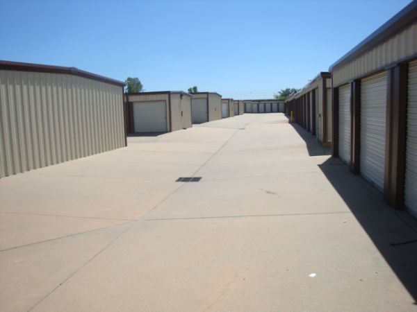George Washington & 31st St Mini-Storage 3031 South George Washington Boulevard Wichita, KS - Photo 3