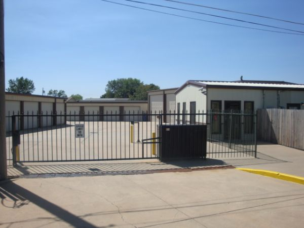 George Washington & 31st St Mini-Storage 3031 South George Washington Boulevard Wichita, KS - Photo 0