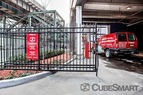 CubeSmart Self Storage - Queens - 30-19 Northern Boulevard 30-19 Northern Boulevard Queens, NY - Photo 5