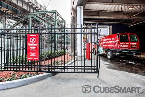 CubeSmart Self Storage - Queens - 30-19 Northern Boulevard 30-19 Northern Boulevard Queens, NY - Photo 5