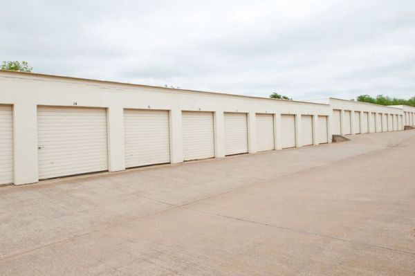 American Self Storage - N. Santa Fe Ave. 4400 North Santa Fe Avenue Oklahoma City, OK - Photo 2