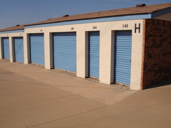 American Self Storage - N. Air Depot Blvd. 1301 North Air Depot Boulevard Midwest City, OK - Photo 2