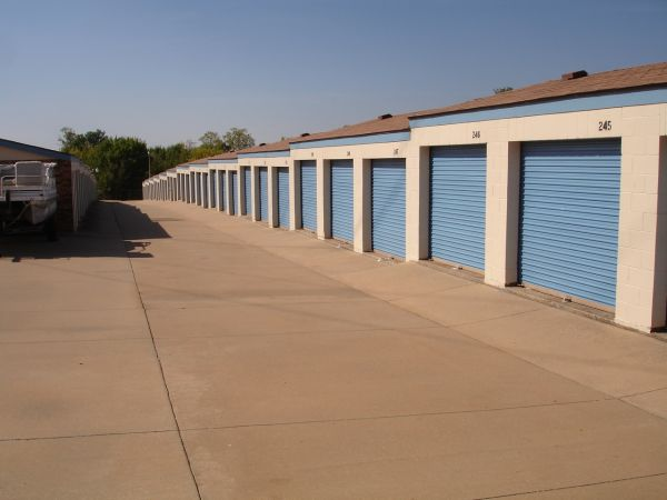 American Self Storage - N. Air Depot Blvd. 1301 North Air Depot Boulevard Midwest City, OK - Photo 3
