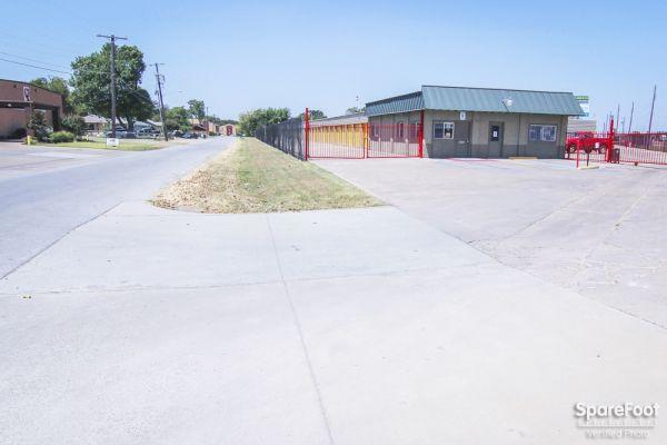 Tellus Self Storage - Hawn 7979 C F Hawn Freeway Dallas, TX - Photo 12