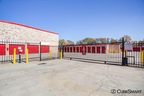 CubeSmart Self Storage - Austin - 2201 South Pleasant Valley Road 2201 S Pleasant Valley Rd Austin, TX - Photo 6